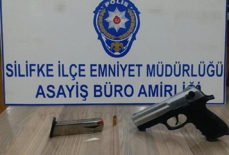 Silifke'de tabancayla havaya ateş açan şüpheli gözaltına alındı