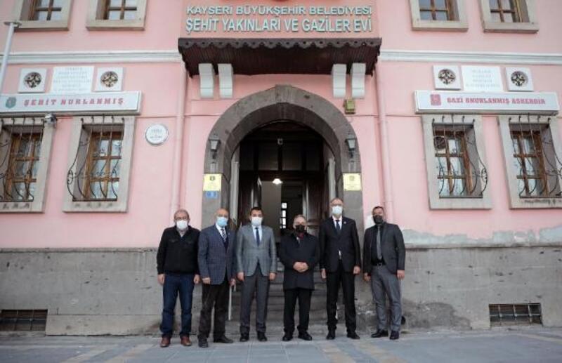 Başkan Yalçın'dan Şehitler Derneği'ne ziyaret