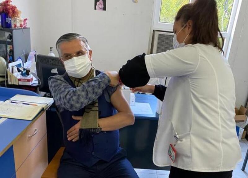 Başkan Topaloğlu, koronavirüs aşısı oldu