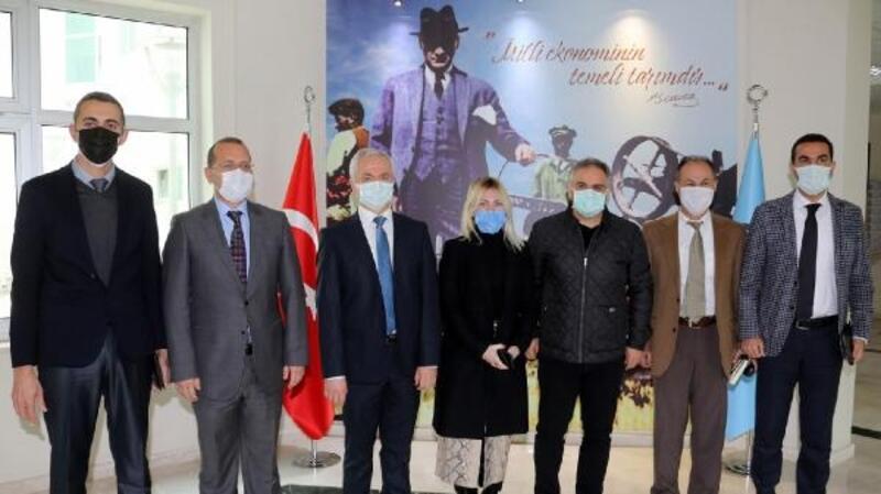 Rektör Özkan, Ziraat Fakültesi'ni ziyaret etti