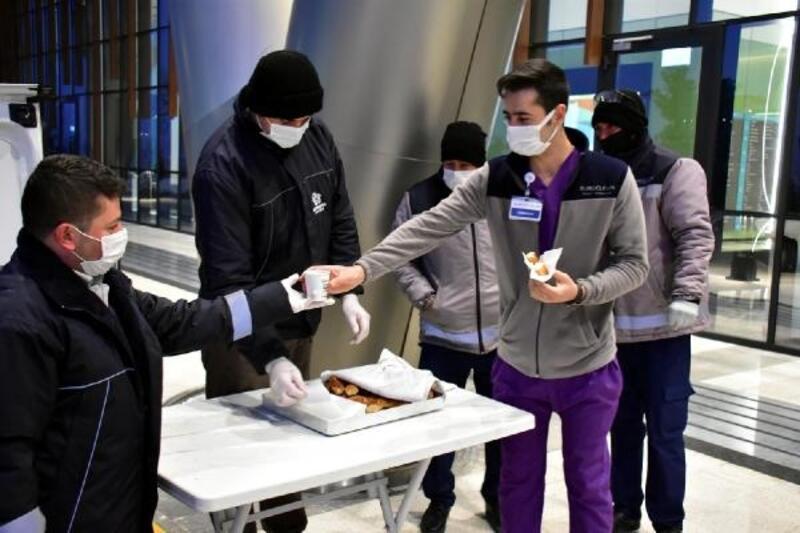 Sağlık çalışanlarına sabah çorbası Süleymanpaşa Belediyesi'nden