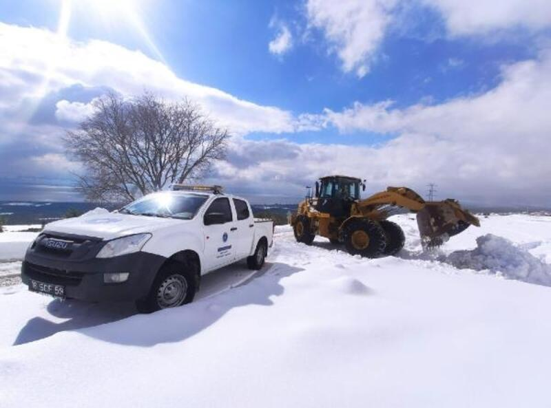 24 saatte kardan kapanan 631 mahalle yolu trafiğe açıldı