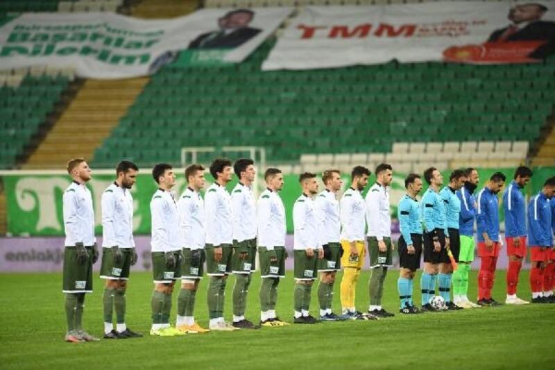 Taraftardan yoksun kalmak, Bursaspor'u iç saha maçlarında etkiledi