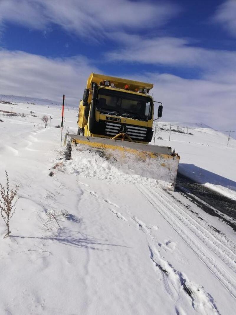 Büyükşehir ekipleri, 75 mahalle yolunu ulaşıma açtı