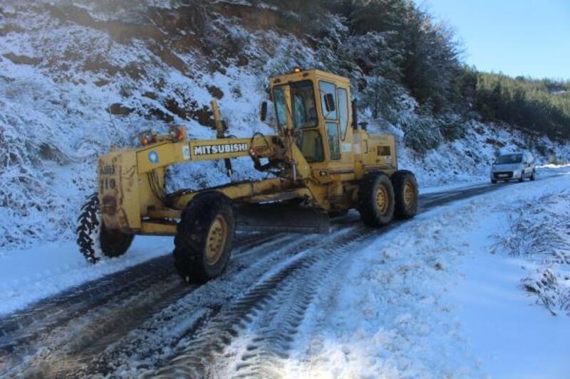 Büyükşehir'den karla mücadele çalışması