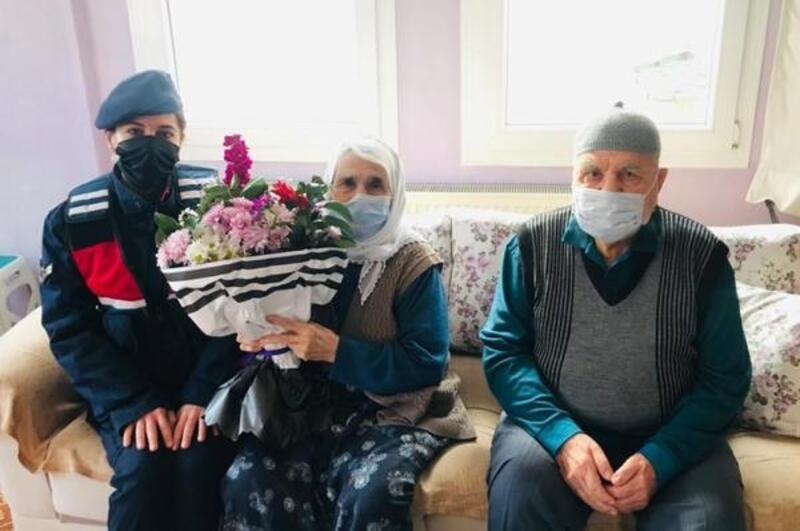 Jandarmadan yaşlı çifte ziyaret