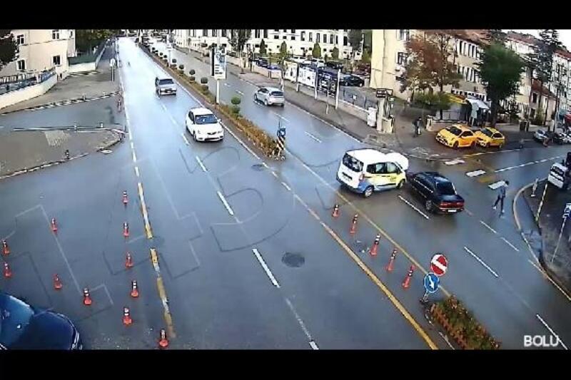 Bolu'daki trafik kazası güvenlik kamerasında