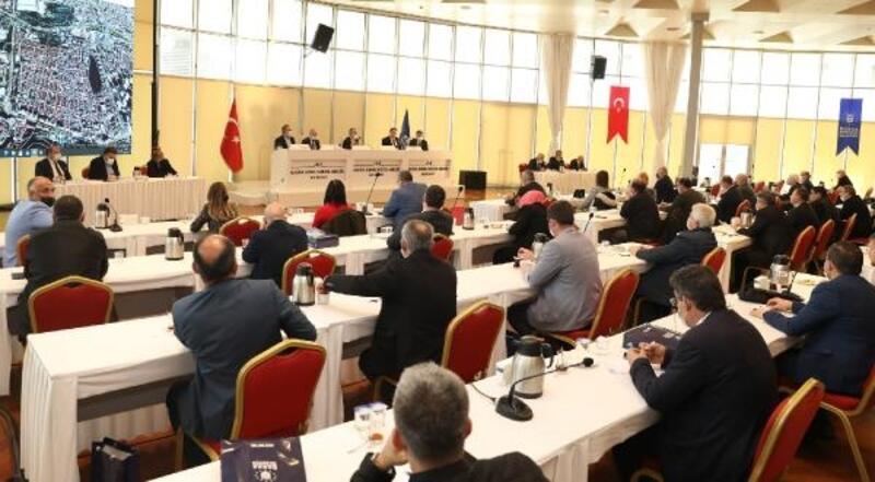 Bursa Büyükşehir Belediye Başkanı Aktaş, muhtarlarla buluştu