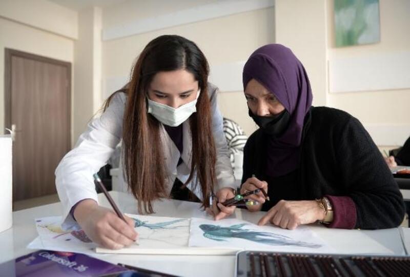 OSMEK kursiyerleri usta ressamlara taş çıkartıyor