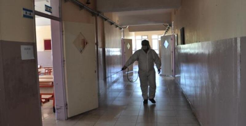 İslahiye'de okullar dezenfekte edildi