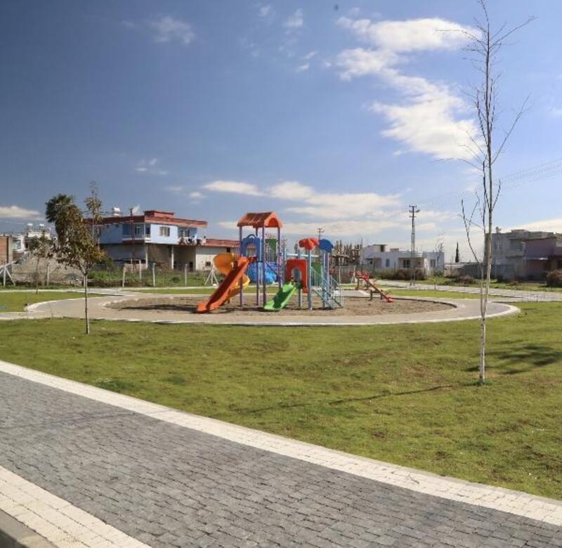 Başkan Kocaispir, Yüreğir'i parklarla donatıyor