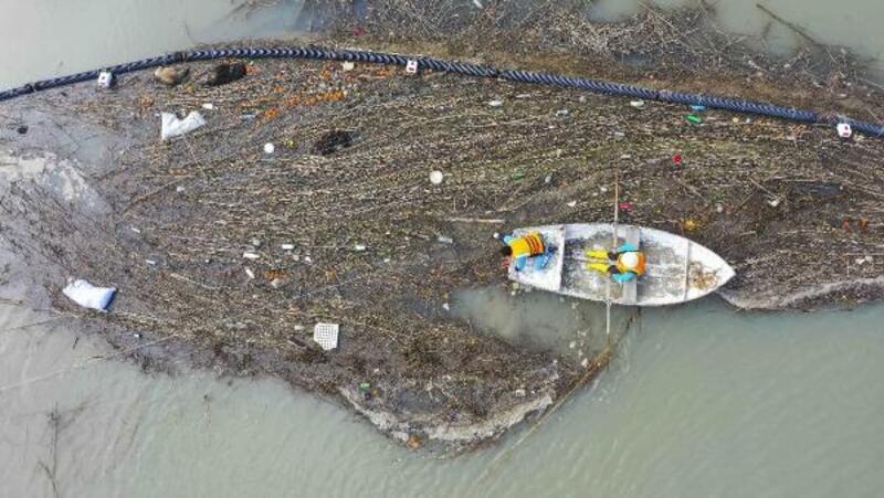 Adana kıyılarında temizlik