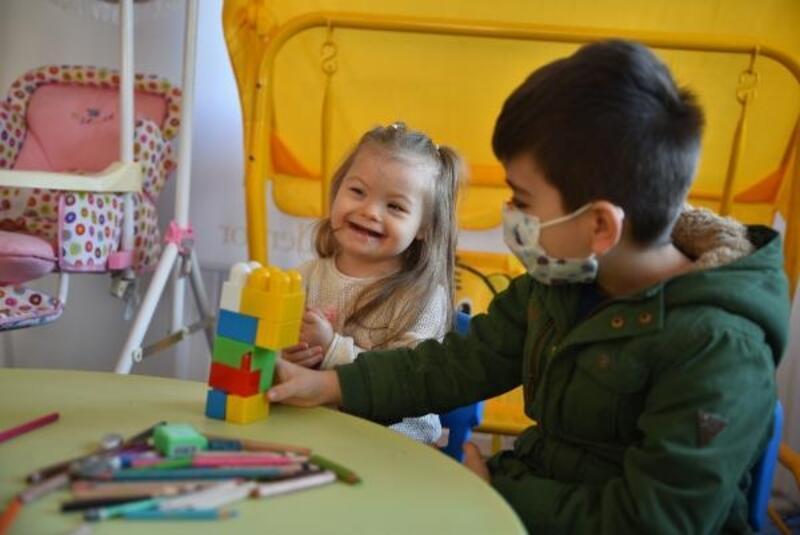 Özel gereksinimli çocukların destek ile yüzleri gülecek