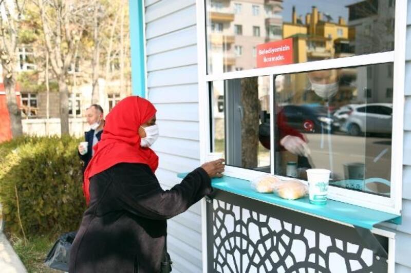 Aksaray'a bir çorba evi daha, günlük 400 kişinin içini ısıtıyor