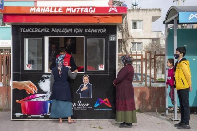 Mersin Büyükşehir'den Mahalle Mutfak 'Büfeleri'