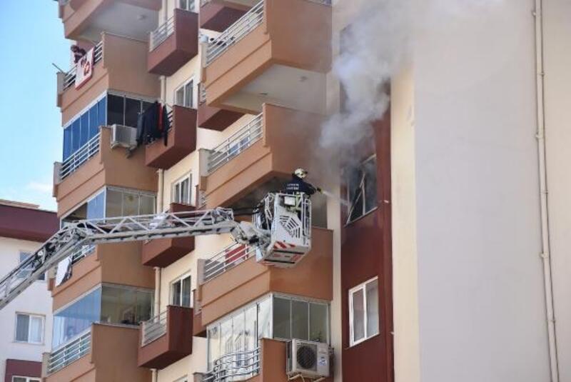 13 katlı binanın 5'inci katında çıkan yangın büyümeden söndürüldü