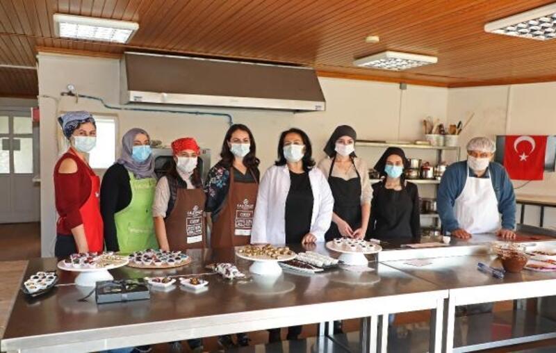 ATASEM'de butik çikolata yapmayı öğreniyorlar
