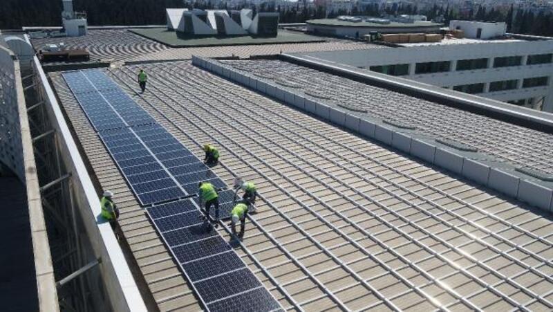 Güneş panellerinin montajına başlandı