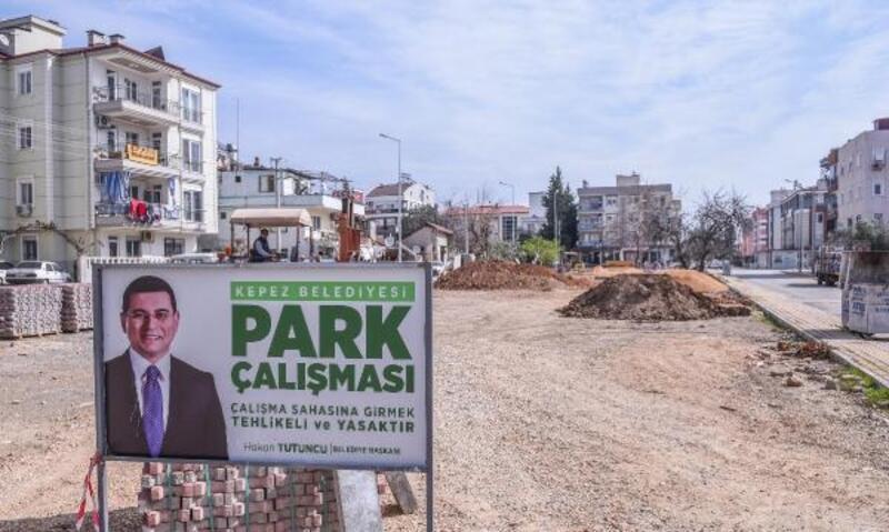 Kepez'de Mehmet Akif'e 13 park yapılıyor