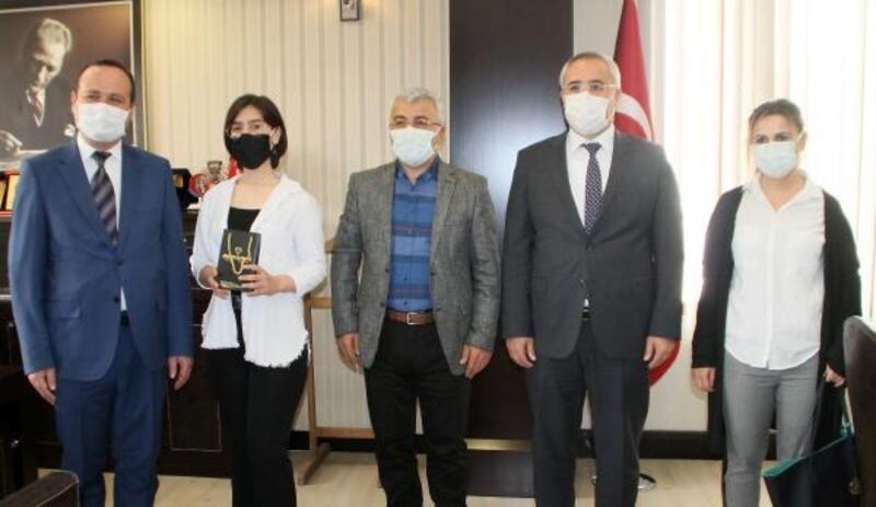 Fatma Nur'a Kaymakam Yiğit'ten ödül