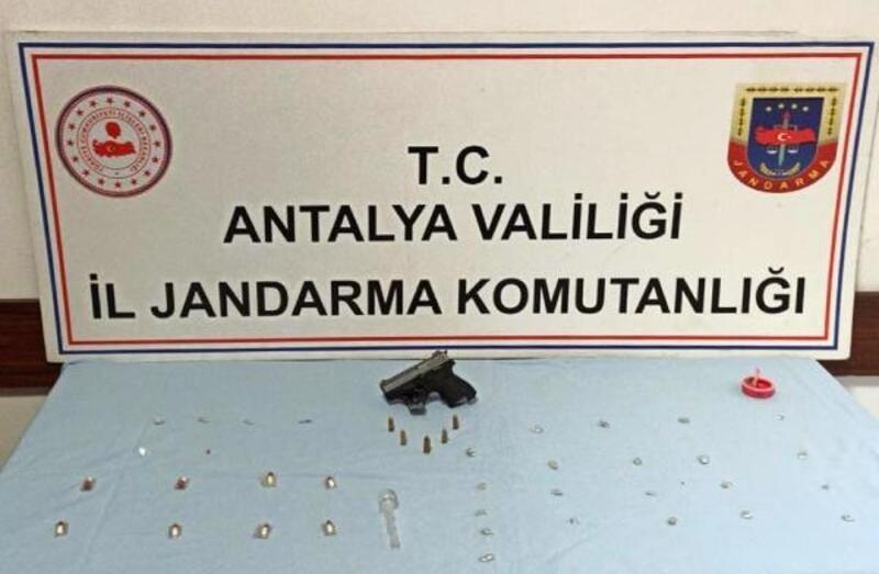Muratpaşa'da jandarmadan uyuşturucu operasyonu