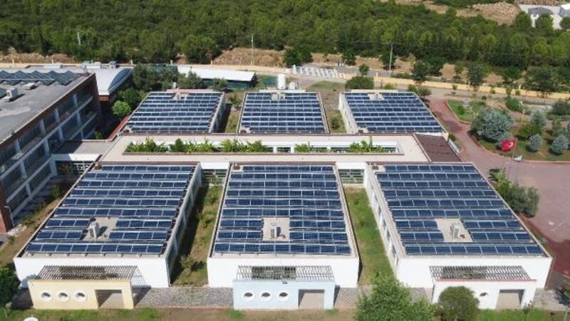 Güneşten 450 bin kWh enerji üretti