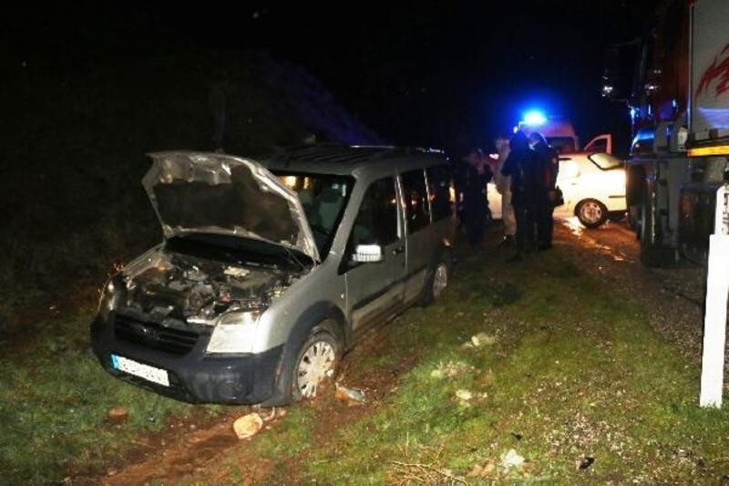 Kahta'da zincirleme kaza: 2 yaralı
