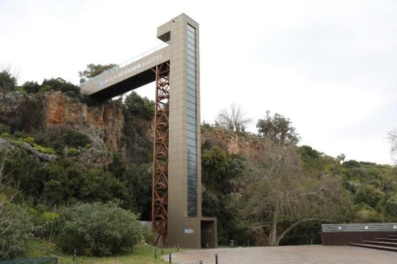 Panoramik asansörler kapsamlı bakımın ardından hizmette