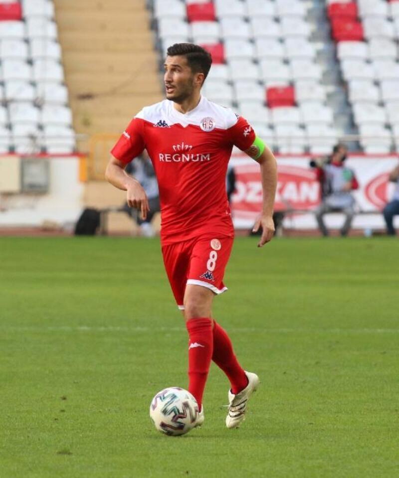 Antalyaspor'da takımın maestrosu Nuri Şahin