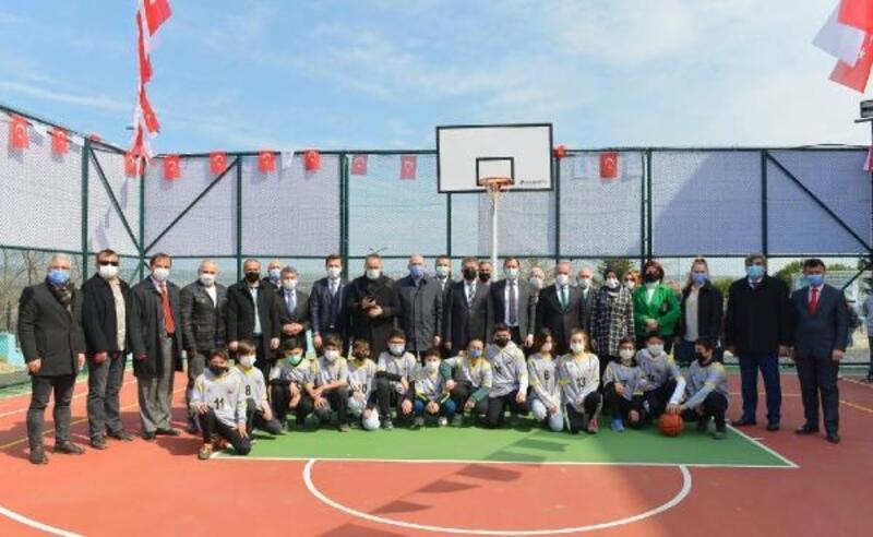 Süleymanpaşa'da Şehit Turgut Kurtçu İlkokulu'na çok amaçlı spor sahası