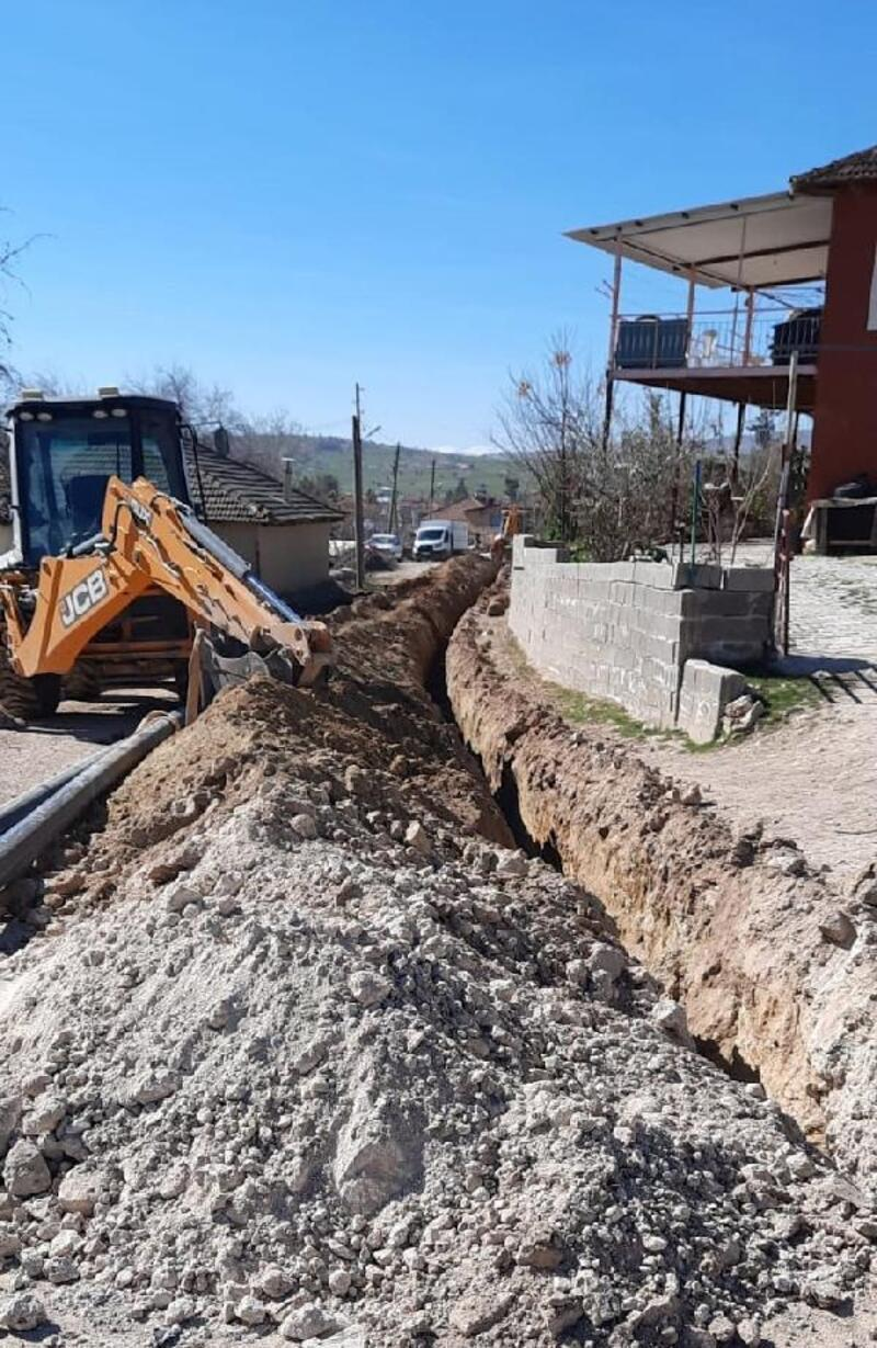 Büyükköy'de yol çalışması öncesi alt yapı yenilendi
