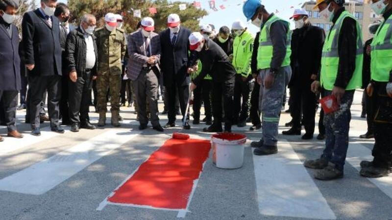 Burdur'da yaya geçidine kırmızı çizgi