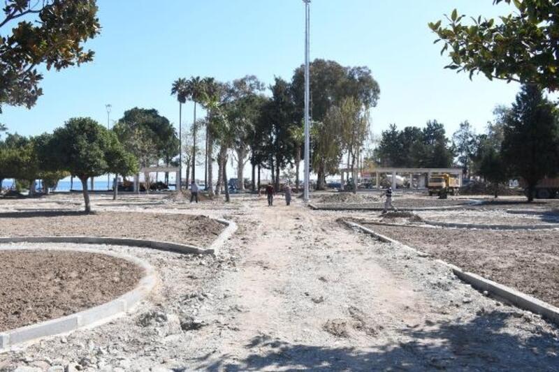 Mustafa Ertuğrul Aker Parkı'nda hummalı çalışma