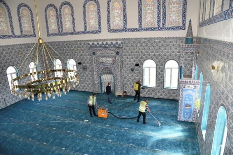 Toroslar'da ibadethanelerde temizlik ve dezenfekte çalışmaları