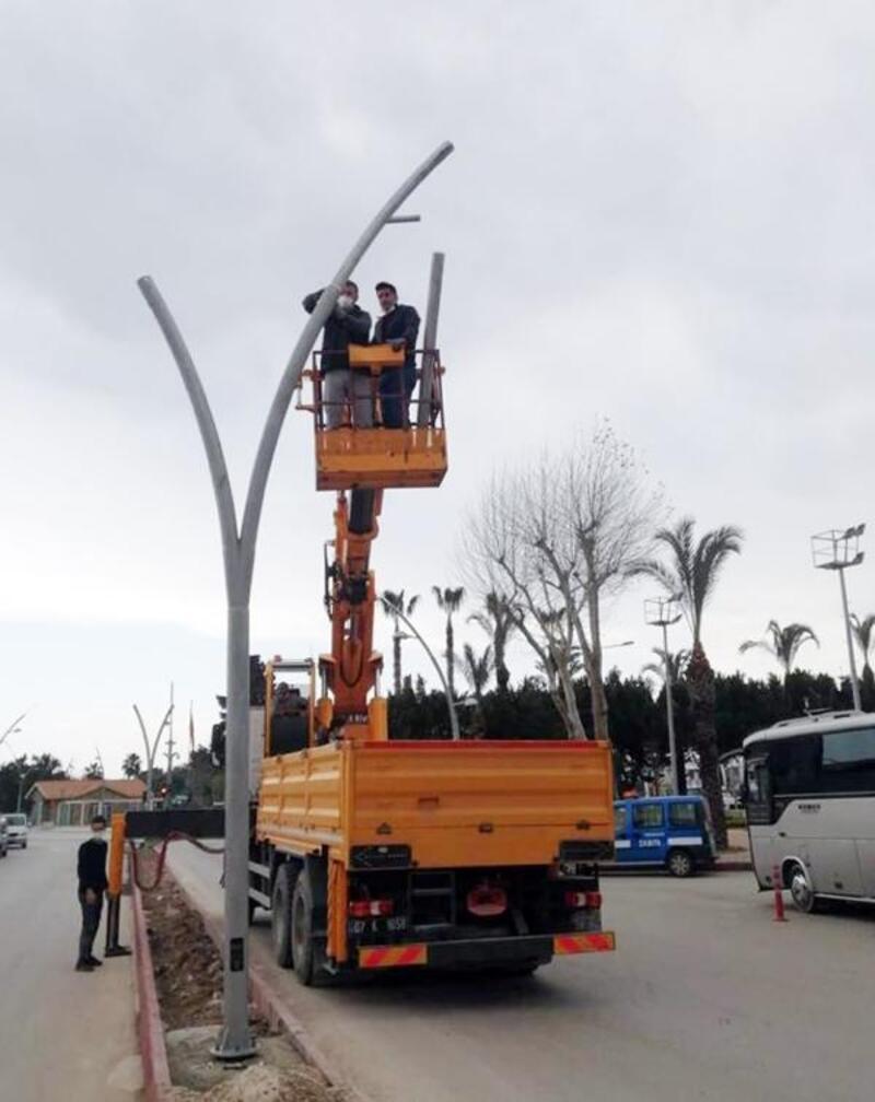 Derviş Eroğlu Caddesi'nde çalışmalar devam ediyor