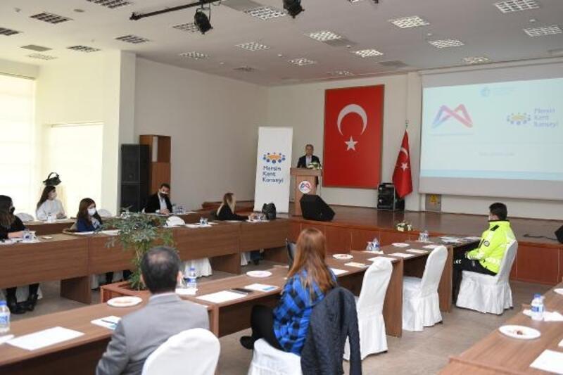 Mersin'de 'Yaşlı Dostu Kent' çalıştayı düzenlendi