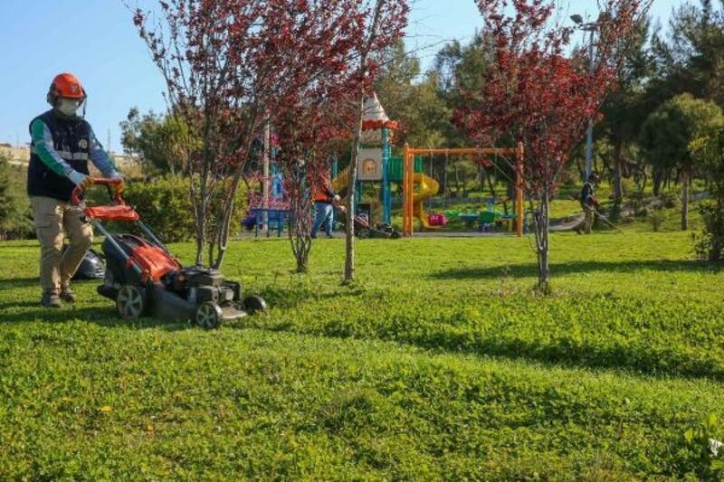 Buca Belediyesi'nden parklarda özel çalışma
