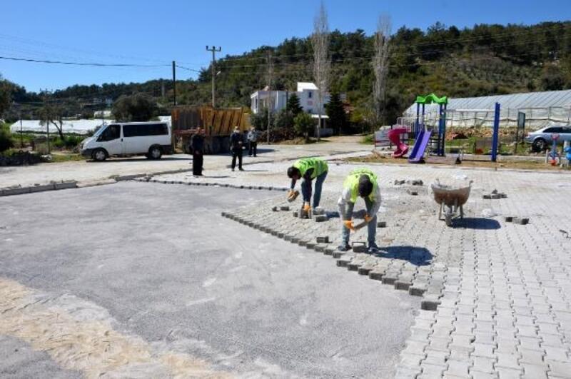 Alanya'nın Akdam Meydanı parke taş ile kaplandı