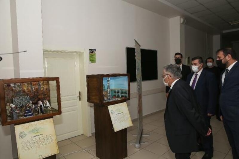 Başkan Büyükkılıç, KAYMEK'in sergi hazırlıklarını inceledi