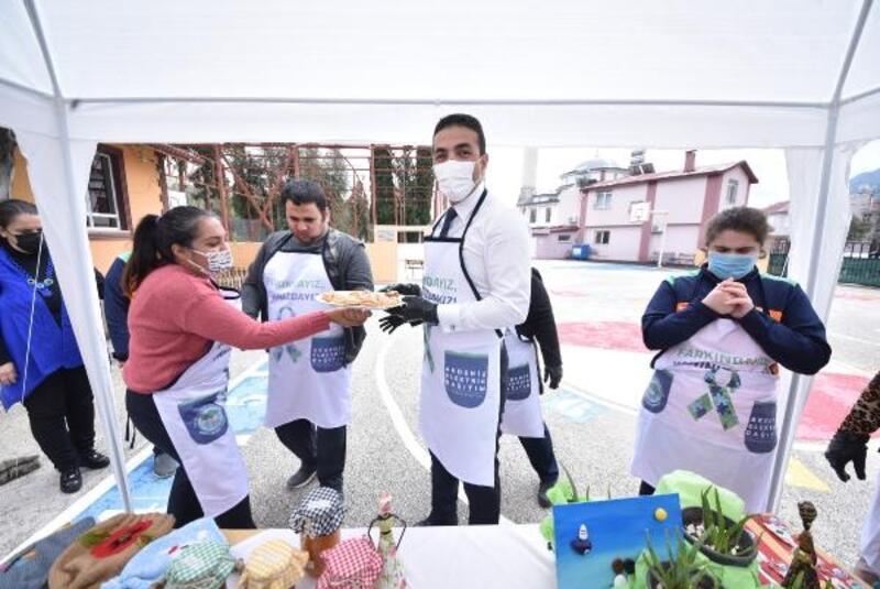 AEDAŞ çalışanları otizmli öğrencilerle buluştu