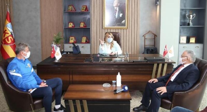 Başkan Büyükkılıç'tan Kayserispor'a ziyaret
