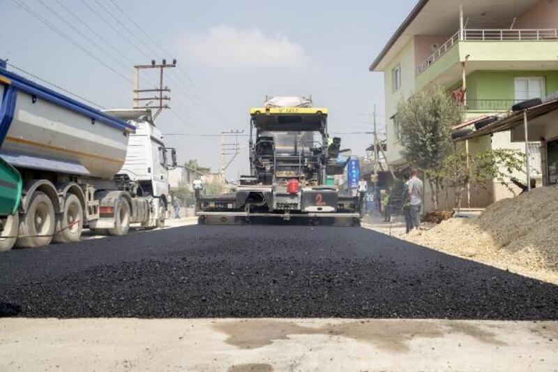 Büyükşehir'in yol yenileme çalışmaları sürüyor