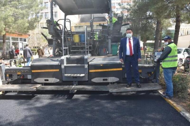 Bağlar Belediyesi'nden hastaneye asfalt hizmeti