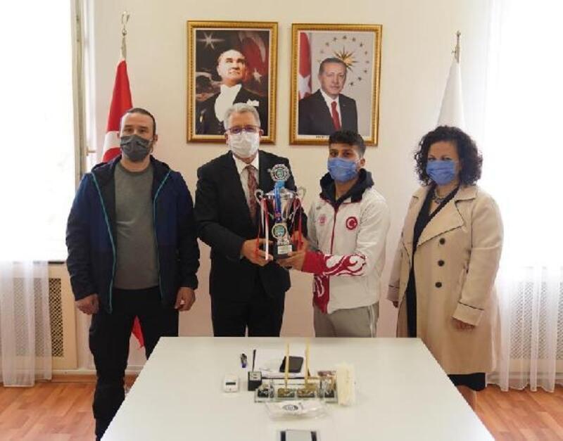 Ege Üniversitesi öğrencisi Ali Koyuncu'dan büyük başarı