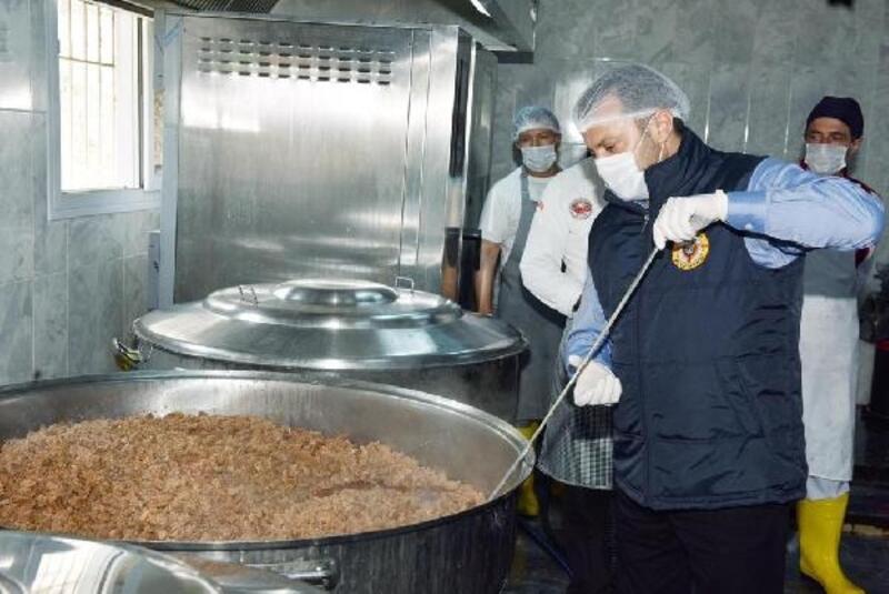 Her gün 2bin 500 ailenin sofrasına sıcak yemek