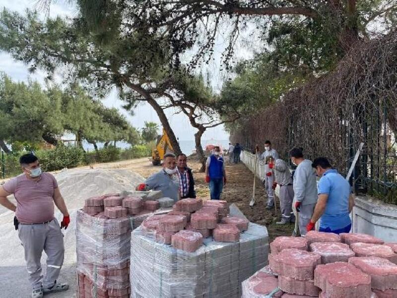 Kemer Belediyesi Beldibi'nde çalışmalarını sürdürüyor