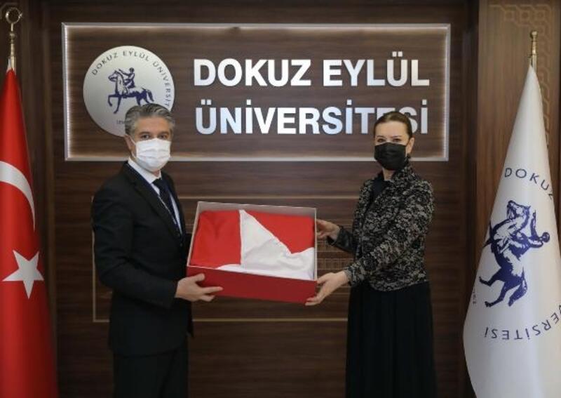 Anıtkabir'de dalgalanan Türk bayrağı da o müzede sergilenecek