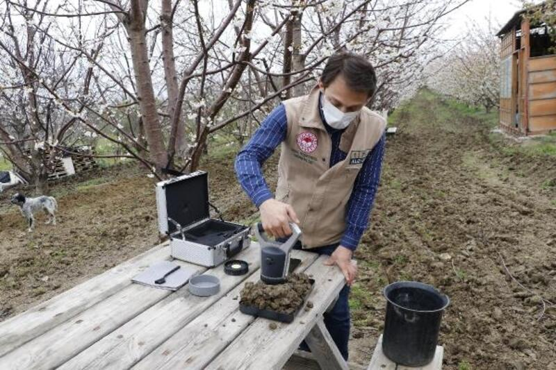 Dijital cihazla toprak analiz süresi 10 dakikaya düştü
