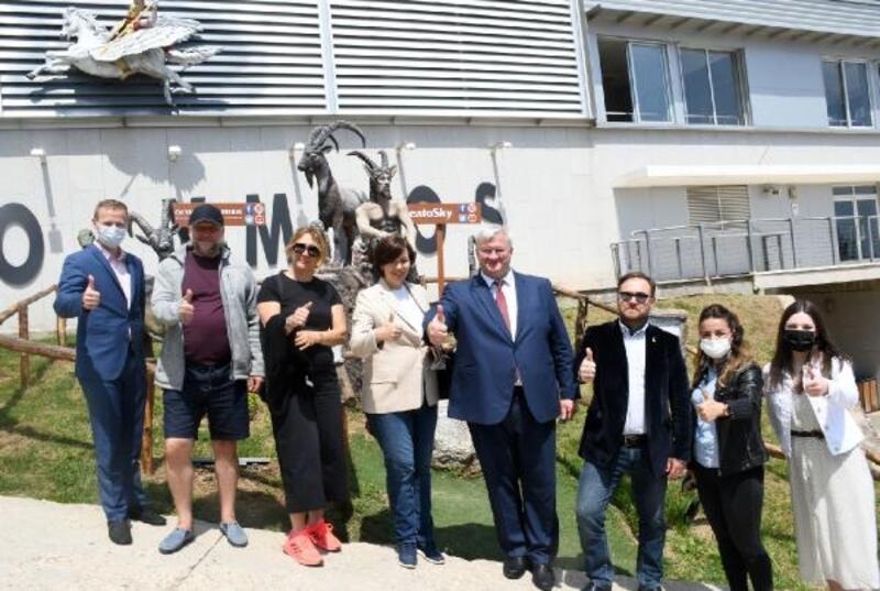 Ukrayna Ankara Büyükelçisi Sybiha, Kemer'de