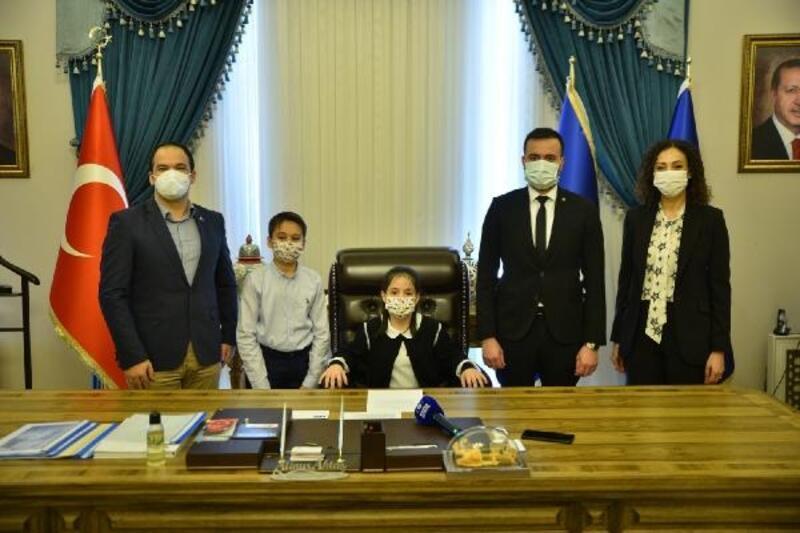 Bursa Büyükşehir Belediye Başkanlığı koltuğu çocuklara emanet